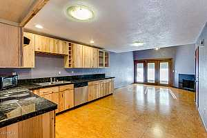 MLS # 5825506 : 30 BROWN UNIT 2032