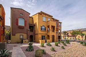 MLS # 5888197 : 2402 5TH UNIT 1689