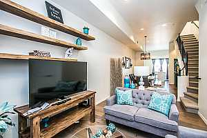 MLS # 5924908 : 421 6TH UNIT 1023
