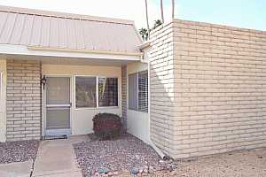 MLS # 5729809 : 5518 LINDSTROM UNIT B5