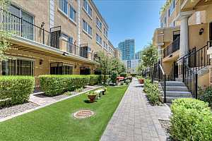 MLS # 5777762 : 421 6TH UNIT 1006