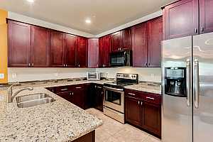 MLS # 5778489 : 2821 SKYLINE UNIT 161