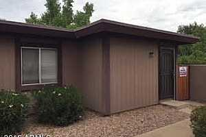 MLS # 5807361 : 900 HACIENDA UNIT D