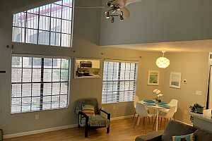 More Details about MLS # 6117786 : 602 N MAY STREET #58