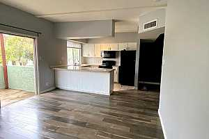 More Details about MLS # 6185790 : 1005 W 5TH STREET #201