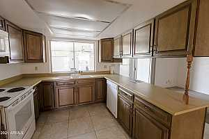 More Details about MLS # 6279911 : 550 N HOBSON PLAZA