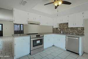 More Details about MLS # 6288335 : 926 N DATE --