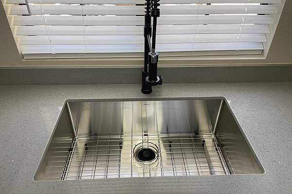 Photo #5 Sink and faucet