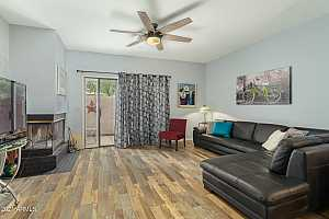 Browse active condo listings in THE TOWNES AT SOUTHPARK