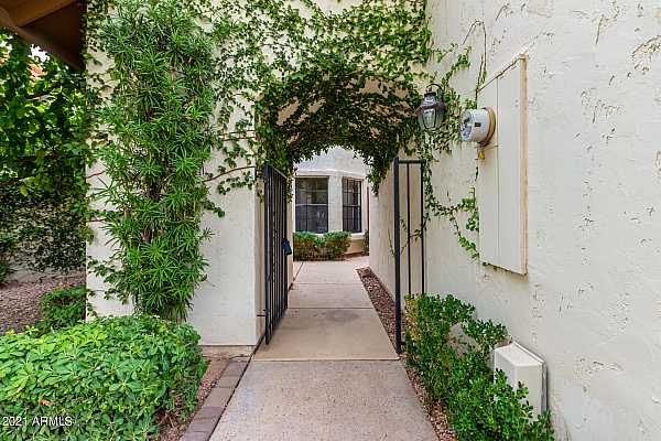 Photo #4 FRONT GATE ENTRANCE TO YOUR COURTYARD