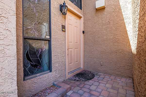 Photo #6 front entry